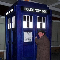 FOIMan entering the TARDIS